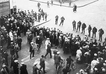 """""""Genève en 1932 !!"""" P065_1_01"""